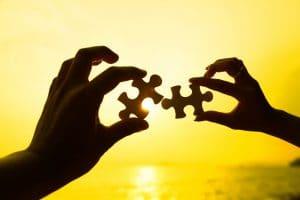 מהו הקשר בין פרשת החודש לפרשות ויקהל פקודי ?