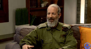 """נצר לחסידויות ויזניץ' ורוז'ין וקצין מילואים ראשי: אלישיב רייכנר בשיחה גלויה עם תא""""ל הושע בן שלום"""