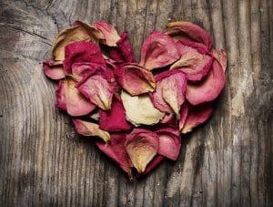 הרב יורם אליהו: הדרך הנכונה – חינוך באהבה