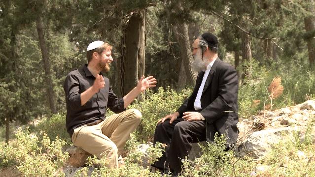 בא בזמן: יצחק מאיר מארח רבנים ואמנים לשיח מרתק לאור ימי בין המצרים