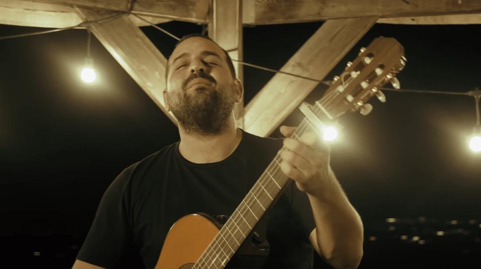 שלום בבית: עקיבא בשיר חדש שמפרגן באהבה לחיילי המילואים