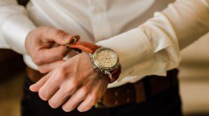 שאלה בעניין הנחת תפילין על גבי שעון – הרב אלחנן פרינץ